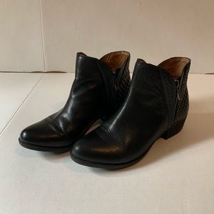 Lucky Brand Shorty Ankle Boots Size 7